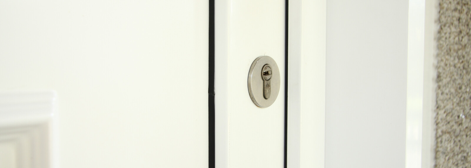 Bocallaves puerta ingadesa