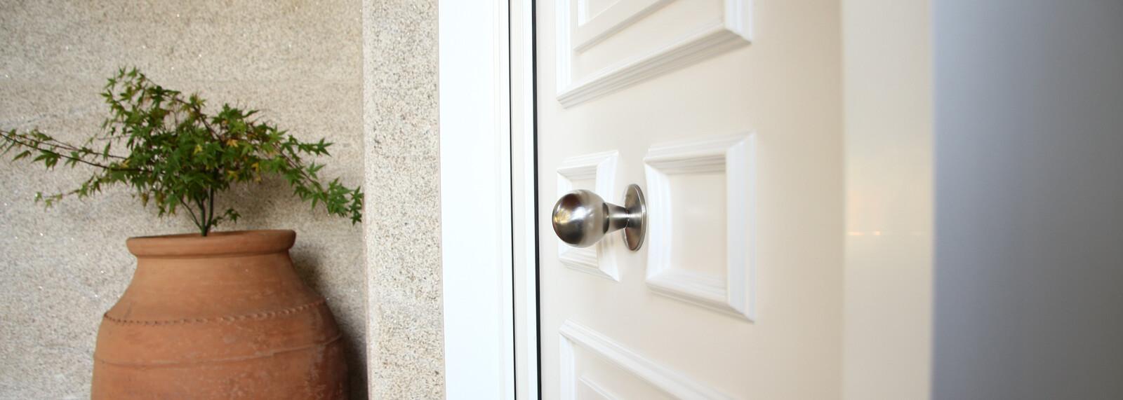 Pomos puerta ingadesa